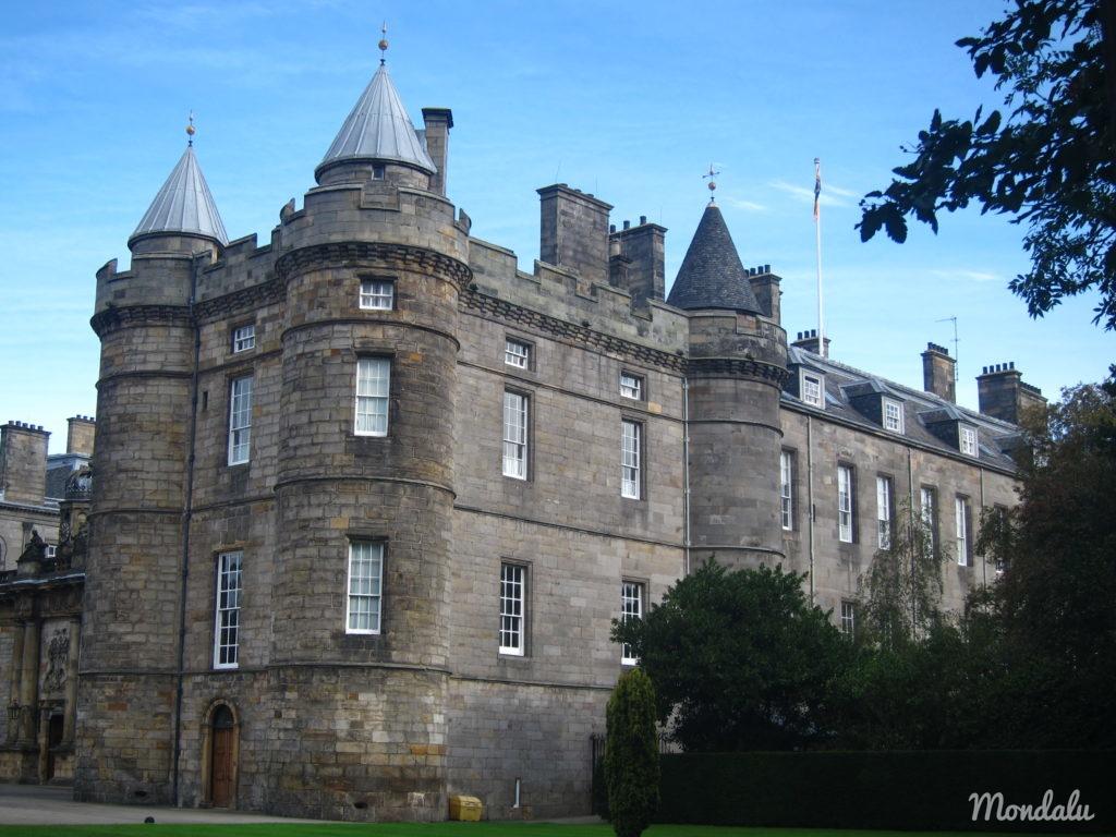 Photo d'une vue extérieure du Palace de Holyroodhouse