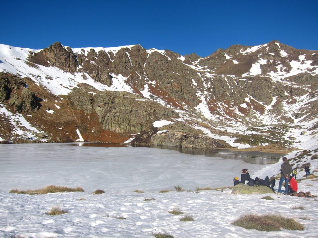 Etang d'Appy, lors d'une randonnée hivernale dans les Pyrénées Ariégeoises